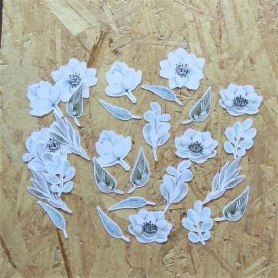 AV2021-1 Découpes fleurs blanches