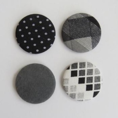 Collection grise- gros badges textile