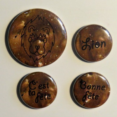 badge horoscope-Lion brun