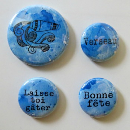 badge horoscope-verseau-bleu